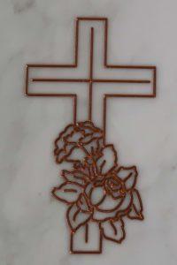 fregio croce e rose